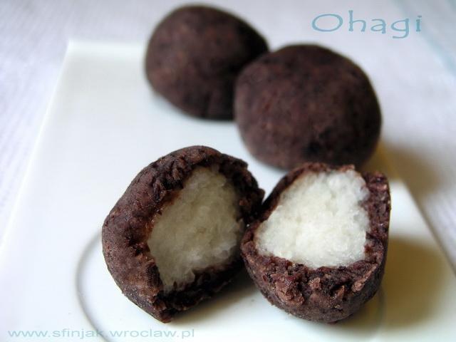 Kulki ryżowe w słodkiej paście adzuki – japońskie ciastka, Ohagi, Azuki bean cakes with rice filling