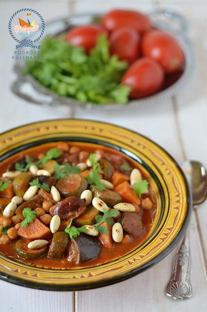 Tagine z bakłażanów z ciecierzycą i daktylami, Eggplant, chickpea and dates tagine