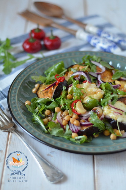Sałatka z ciecierzycą i bakłażanem, Chickpea and eggplant salad