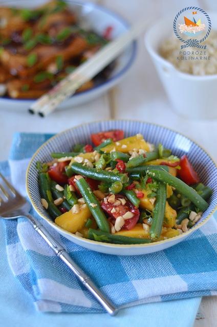 Sałatka z fasoli szparagowej i mango, Asparagus bean and mango salad