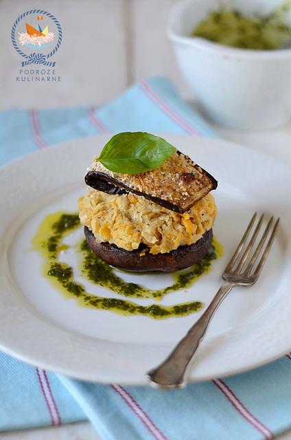 Grillowane potrobello z puree z ciecierzycy i sznyclem z bakłażana, Grilled mushrooms with chickpea mash & eggplant schnitzel