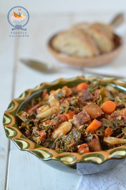 Eintopf z jarmużem i wędzonym tempehem, Eintopf with kale and smoked tempeh