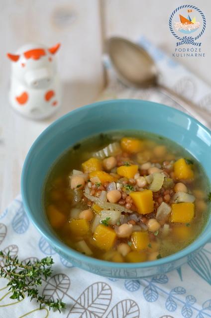 Zupa z dyni, ciecierzycy i pszenicy, Pumpkin, chickpea and wheat berry soup