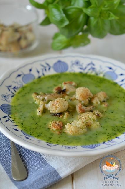 Zupa z liści rzodkiewki z pieczonym kalafiorem, Radish leaves soup with baked cauliflower