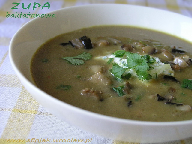 Zupa z bakłażana curry z ogórkową raitą, Eggplant soup with cucumber raita